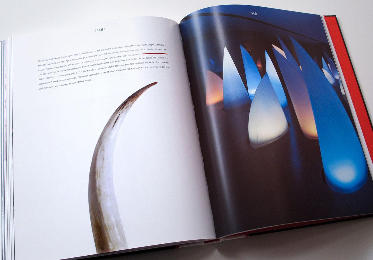The Book of Possibilities – Inspiring Design with PLEXIGLAS®: Doppelseite über eine Lichtinstallation von Robert Foster
